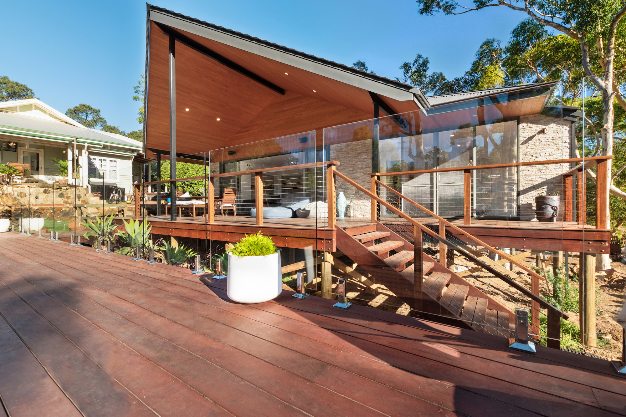 outside-deck-pool-fence-wire-balustrade edited